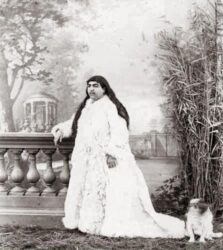 Princess-Qajar-with-Mustache7.jpg